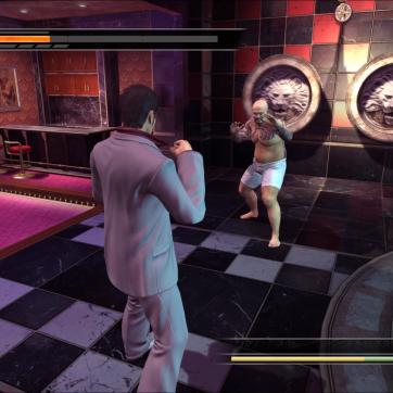 Kiryu fighting a guy in his underwear? Seems legit.